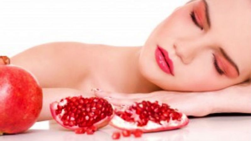 This pomegranate face pack brings pink glow in your dry skin