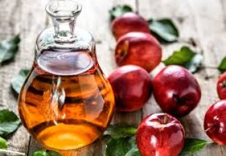 2 Easy ways to use Apple Cider Vinegar for all your skincare and haircare woes
