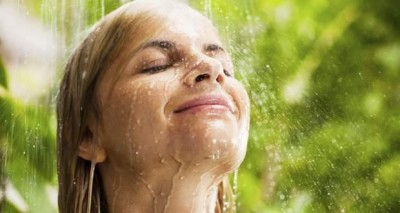 Say goodbye to all your skin problems this monsoon with these home remedies