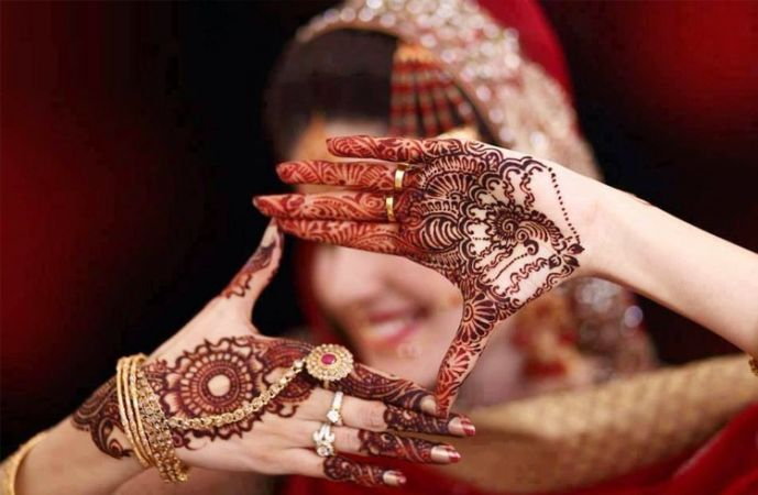 Some beautiful and Attractive Mehendi Designs to give a Traditional touch