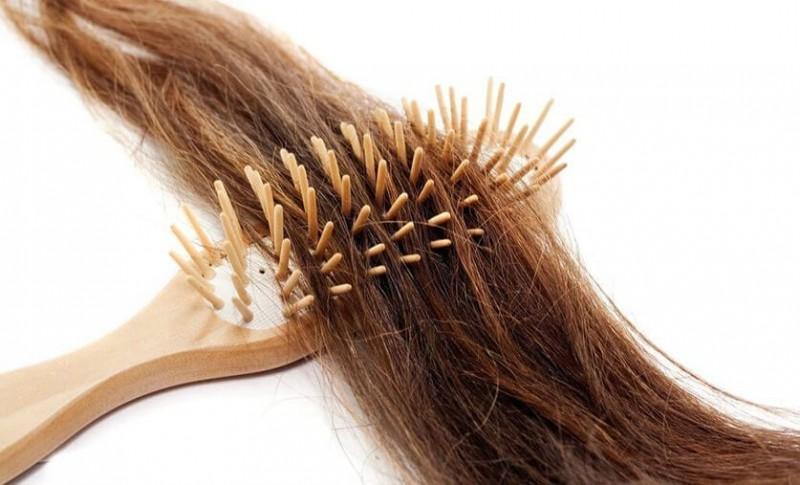 सुस्त और सूखे बालों को इस तरह बनाये और भी सुंदर