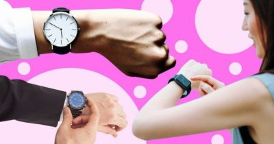 On which hand we should wear watches according to the rules of etiquette?
