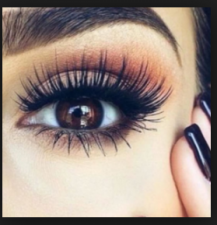 Lengthen your eyelashes and voluminous by using these simple tips