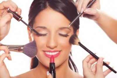 Easy doable hacks for monsoon to not spoil your makeup