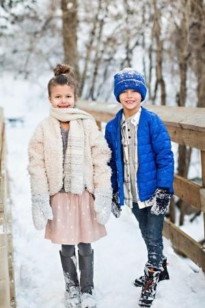 सर्दियों के दौरान अपने बच्चों को पहनाएं फैशनेबल गर्म कपड़े
