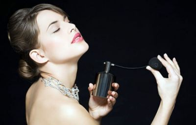 Follow these Tips to apply long lasting perfume