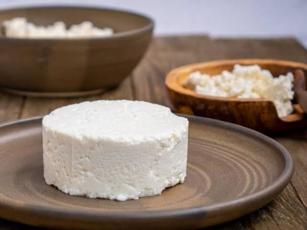 घर पर बनाए  क्वेसो फ्रेस्को पनीर