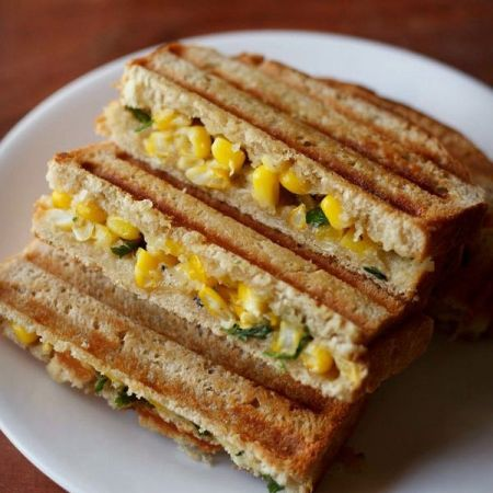 Make tasty corn capsicum sandwich in breakfast for your kids