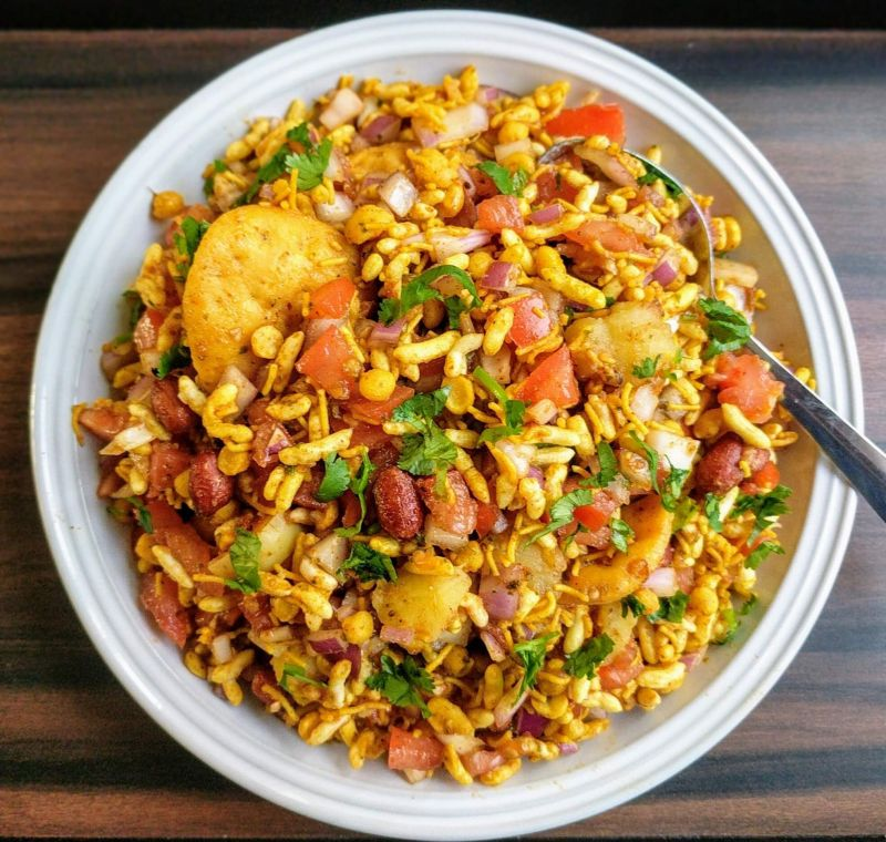 Simple recipe to make tasty Bhel Puri at home