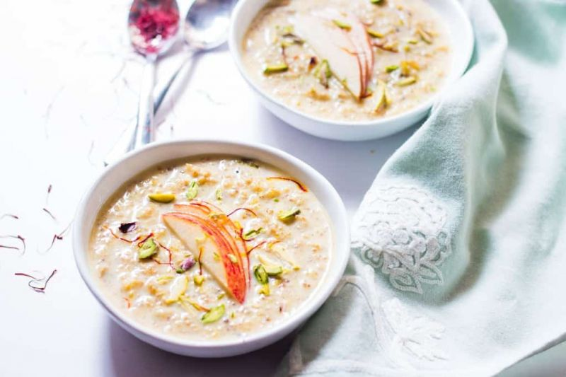 Easy recipe to make the tasty and healthy Apple Kheer at home