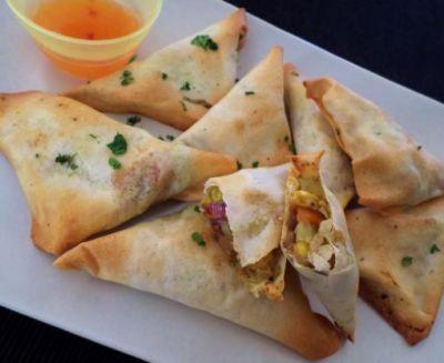 Amazing recipe to make Baked Vegetarian Samosas at home