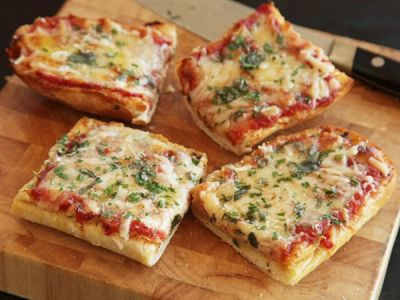Recipe of mouth watering Bread Pizza