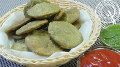 Palak Kachori recipe is too easy to make it at home