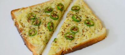 In just 5 easy steps make Cheese Chilli Toast