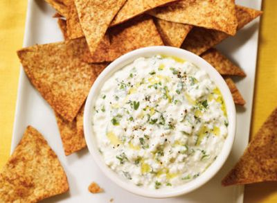 2 Cheese Dip recipes to serve with nachos