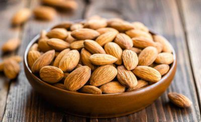 Reasons why to avoid eating raw almond in summer