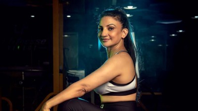 Dr. Rita Jairath crushes stereotypes like one of those sessions at the gym,  acquires the IFBB-PRO card
