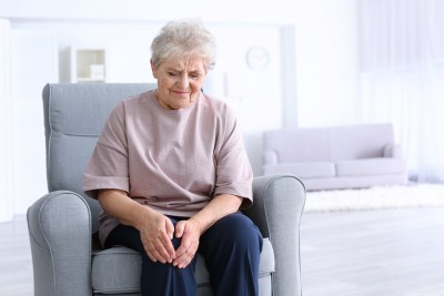 Know how old age affect your knees