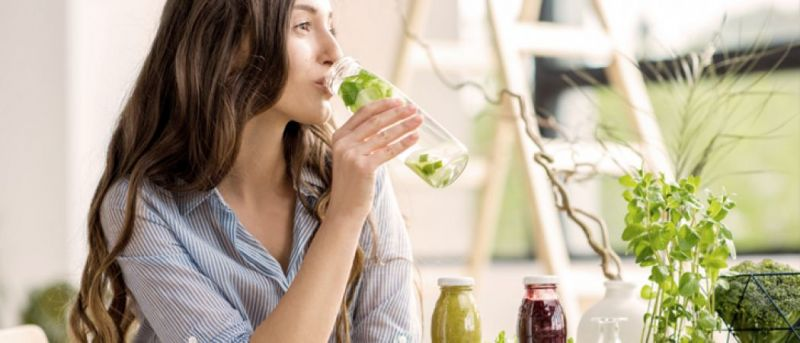 Drink this detox water daily to stay healthy