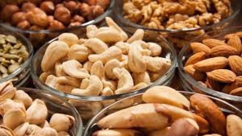 These 4 dry fruits remove iron deficiency