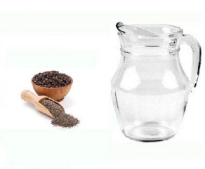 Black pepper and hot water can give relieve in constipation