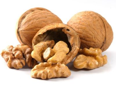 Eating walnut helps to get remove the throat infection