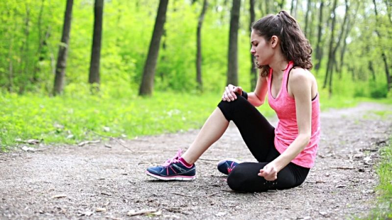 Knee pain may give rise to the symptoms of depression