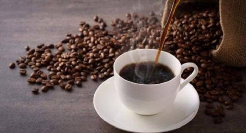 6 या उससे अधिक कप कॉफ़ी पीने से बढ़ सकता है cvd का खतरा