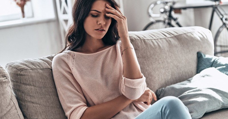 रोज-रोज के सिरदर्द से हो गए परेशान, तो अपनाएं ये घरेलु उपचार