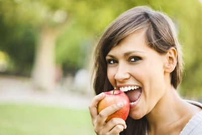 Eat apple to get rid of the cholesterol