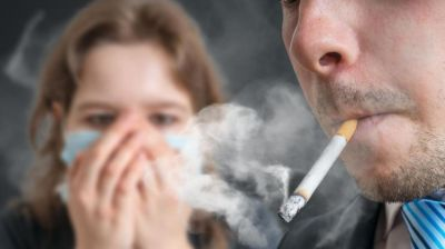 Passive smoking may increase the risk of raise kidney diseases: Study