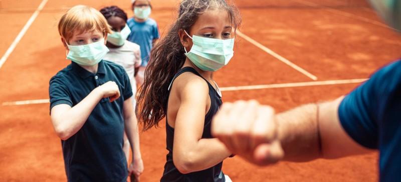 कोरोना महामारी में इस तरह रखें अपने बच्चों को फिट