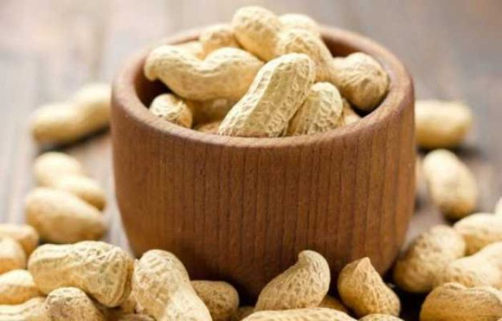 Winter special: 4 reasons to woo you eat Peanuts