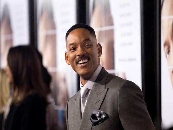 The story of 'Aladdin' is coming to entertain you Will Smith unveils first poster