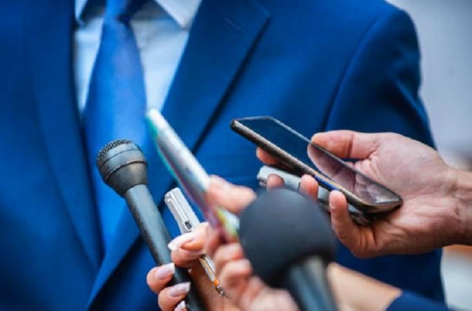 प्रेस के प्रति जनता का रवैया: पत्रकारों के लिए वॉचडॉग के रूप में कार्य करना है महत्वपूर्ण