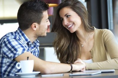 Just try these 5 tips to attract others by your body language