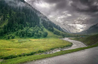 This monsoon go and visit these 4 places to romance the rain
