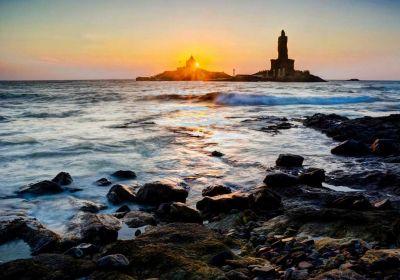 Visit these beautiful and holy places of Kanyakumari
