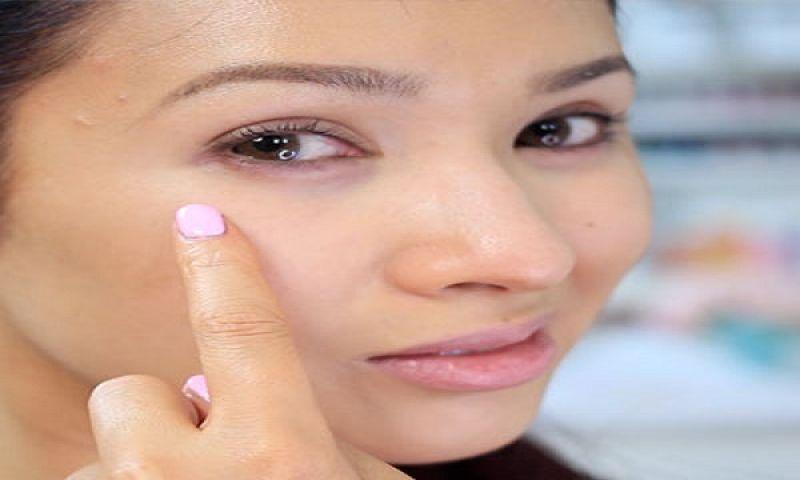 डार्क सर्कल से घटती है आपके चेहरे की खूबसूरती