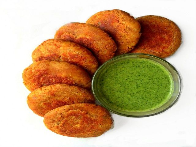 घर पर बनाएं स्वादिष्ट भरवा आलू कबाब