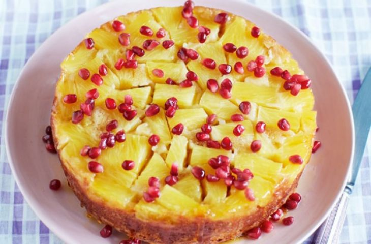 How to make Pineapple and pomegranate cake!