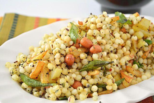 Delicious 'Sabudana Khichdi' cooked with potatoes and peanuts