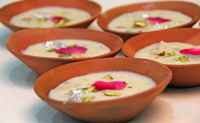Creamy rice pudding with full of nuts !