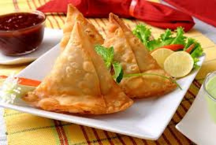 Make delicious Veggie Samosa in your kitchen !