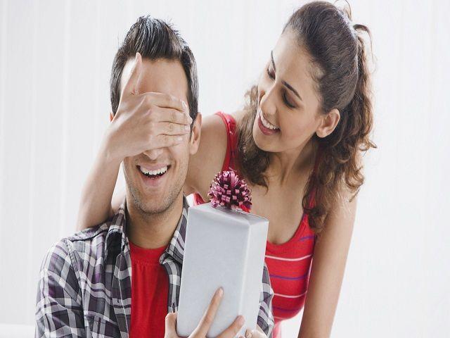 वैलेंटाइन डे गिफ्ट : दूर बैठे अपने प्रेमी को दें यह खास तोहफ़ा