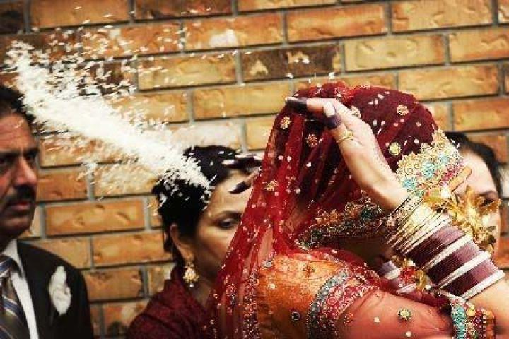 गर्लफ्रेंड से पत्नी बनने तैयारी