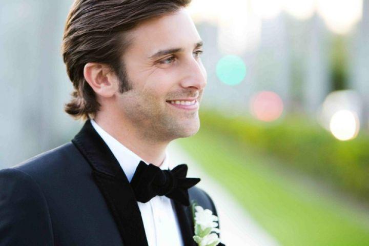 खूबसूरत पुरुष से शादी करने के यह नुकसान हो सकते हैं