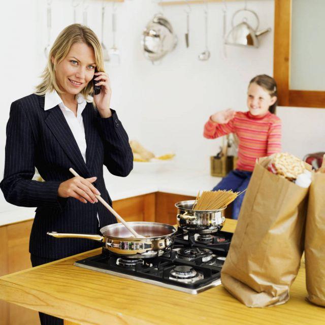 कामकाजी महिलाये कैसे संभालें घर और ऑफिस