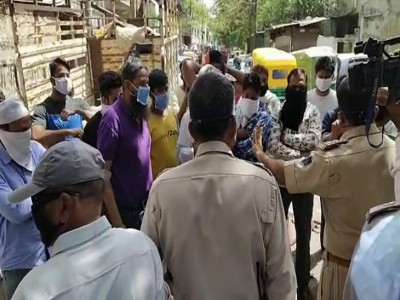 People of locality misbehaved with police in Indore