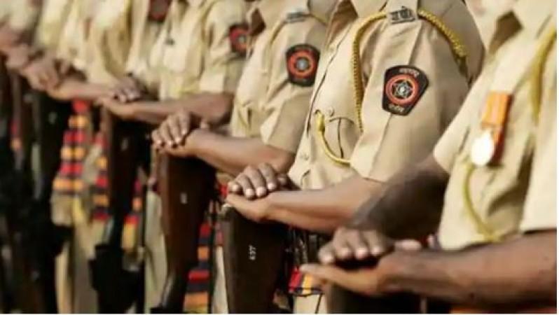 थाने में जमकर नाचे पुलिसकर्मी, वीडियो वायरल होने के बाद हुआ ये हाल